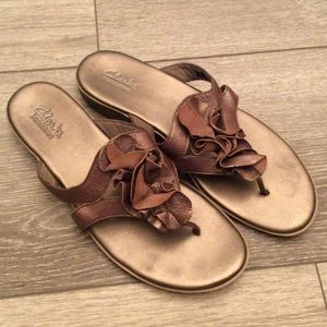 Clarks Bendables Copper Ruffle Thong Sandals